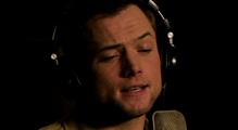 [로켓맨]태런 에저튼, 엘튼 존을 노래하다 영상